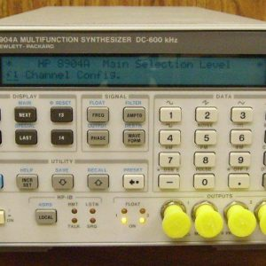 Agilent / HP 8904A Multifunction Synthesizer dc to 600 kHz