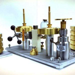 Weber Model 10 Hydraulic Deadweight